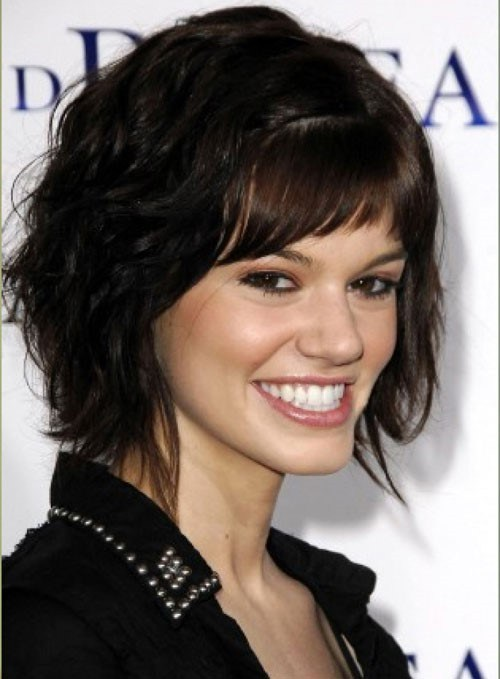 48 layered wavy hairstyle with cropped bangs