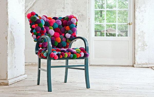 1 Pom Pom Chair