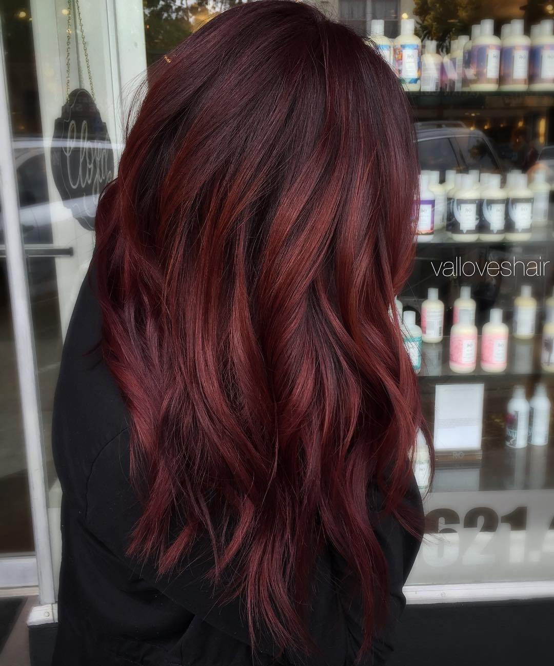 1 dark burgundy hair with highlights