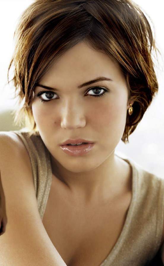 1 mandy_moore_short_hairstyle