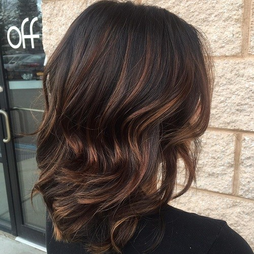 1 medium brunette hair with chocolate highlights
