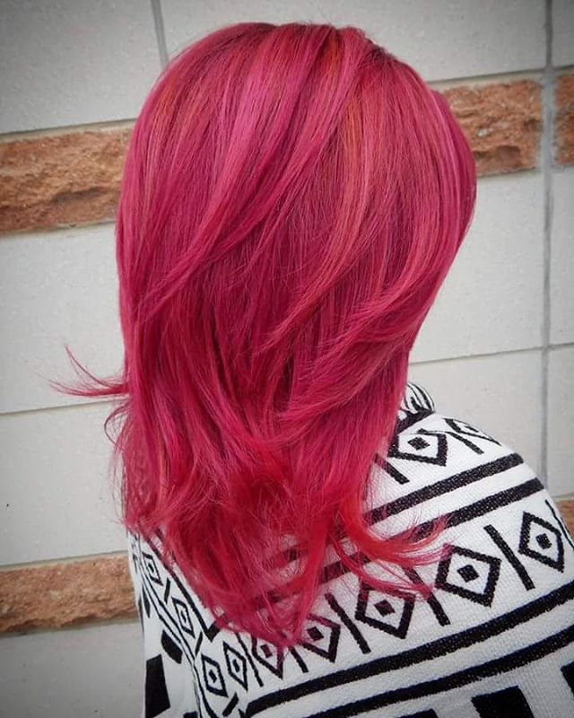 10 bright pink layered hairstyle