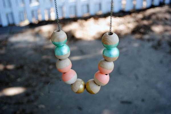 12 Color-Dipped Wooden Beads