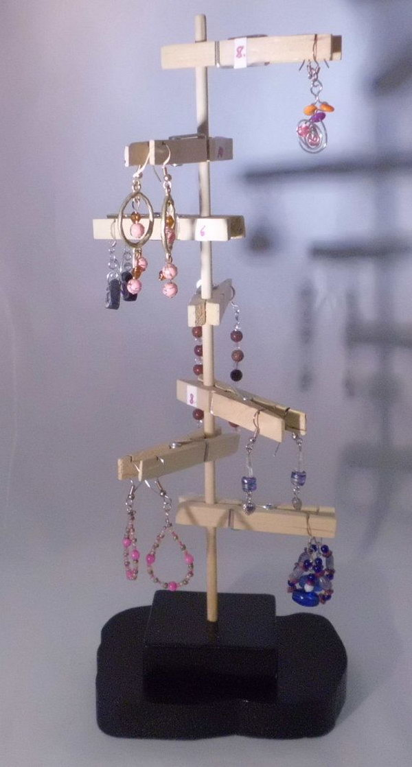 12 Unique Earring Display