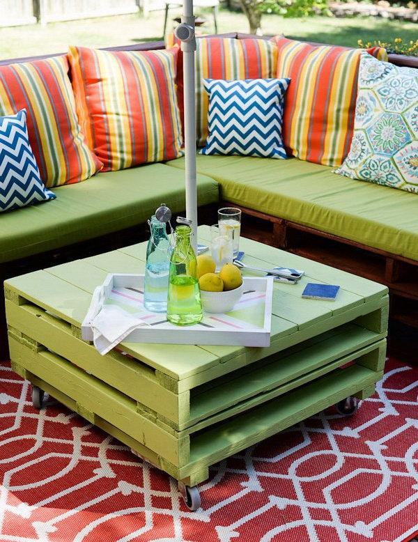 13 DIY Pallet Side Table