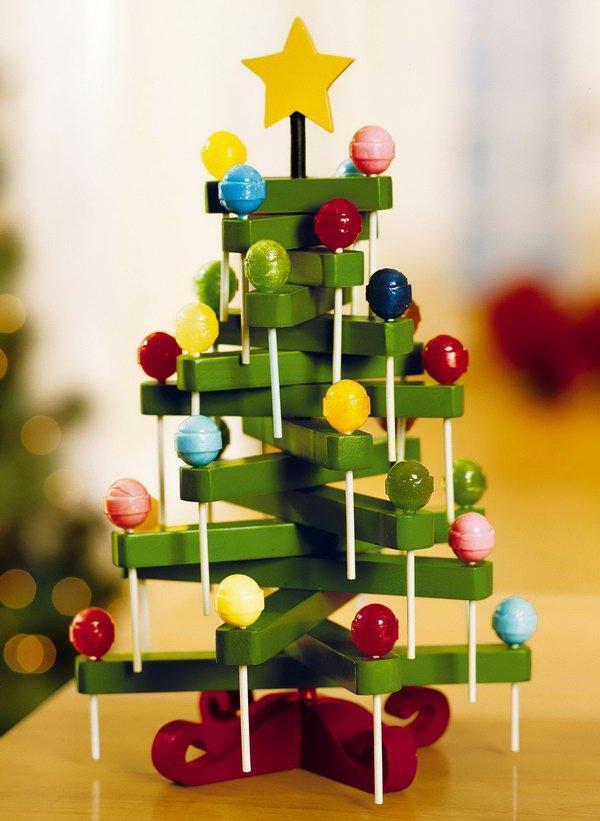 14 Clothespin Lollipop Tree