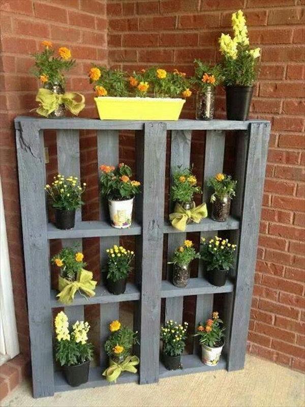 14 DIY Pallet Shelve for Planters
