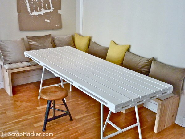 15 DIY Pallet Dining Table