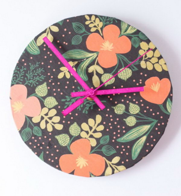 15 Wrapping Paper Clock