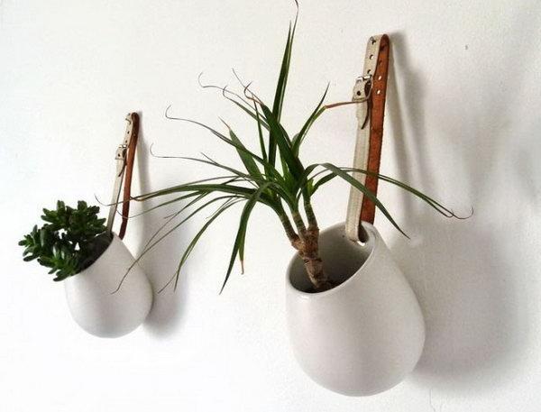16 Belted Hanging Pots