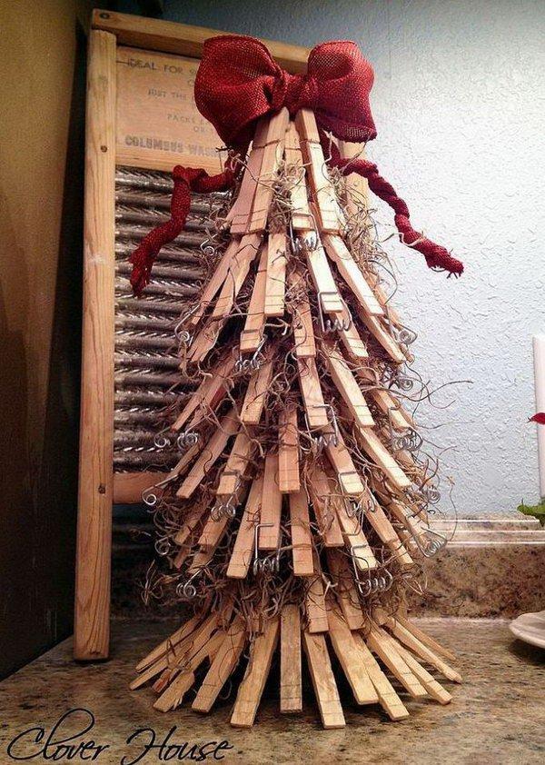 18 Clothespin Christmas Tree