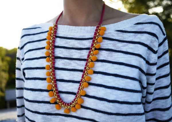 19 DIY Pom Pom Necklace