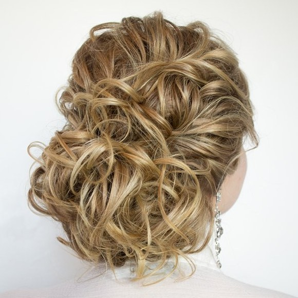 20 curly prom updo for long hair