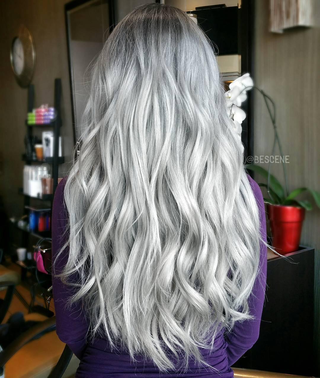 20 long wavy gray hairstyle