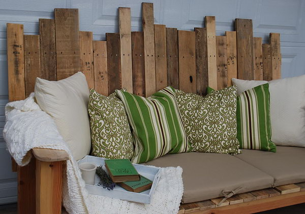 21 DIY Outdoor Pallet Sofa