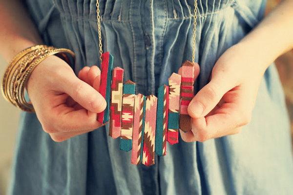 22 DIY Popsicle Stick Necklace