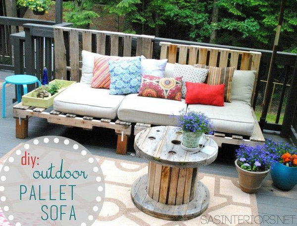 26 DIY Outdoor Pallet Sofa