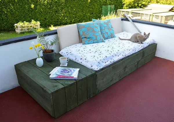 27 Patio Day Bed