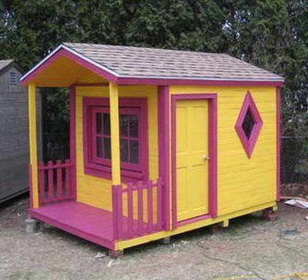 29  DIY Pallet Playhouse