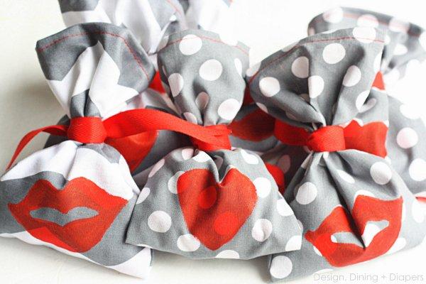 32 Kiss Me! Handmade Valentine's Day Favors