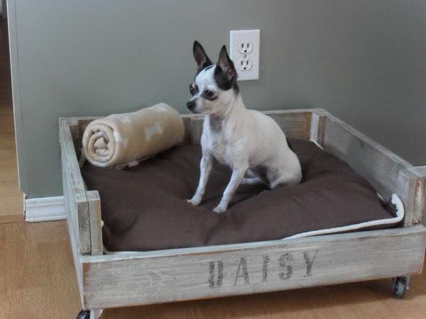 34 DIY Pallet Dog Bed