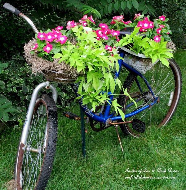 35 DIY Bicycle Planter
