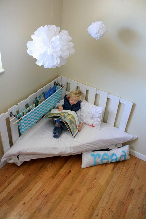 4 Pallet Reading Nook for Kids