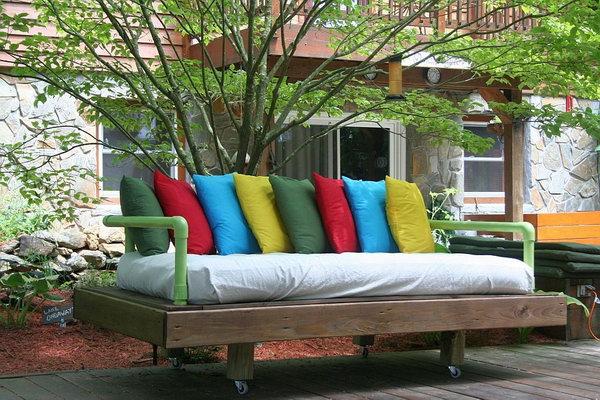 40 DIY Pallet Day Bed