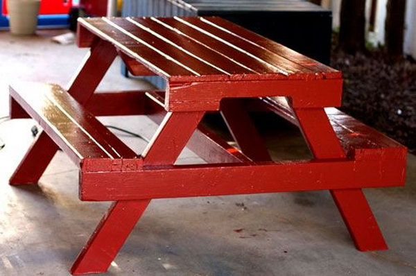 41 DIY Pallet Picnic Table