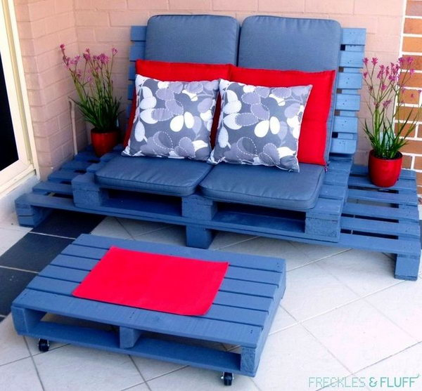 43 DIY Wooden Pallet Chillout Lounge