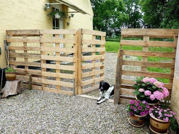 46 DIY Pallet Fence