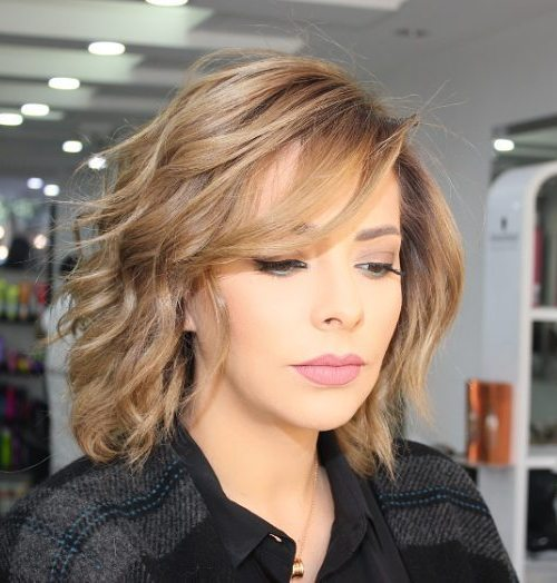 7 wispy wavy bob with side bangs