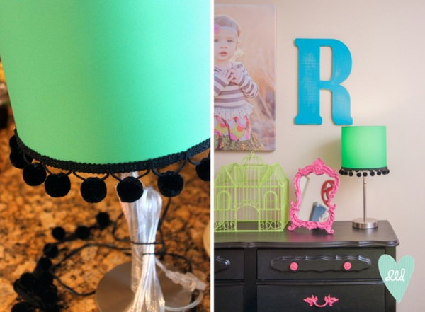 8 DIY Pom-Pom Lampshade