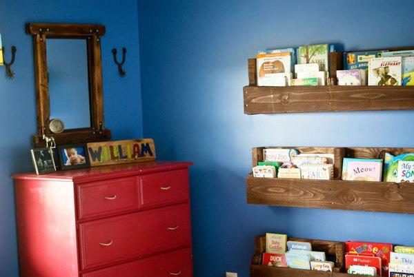 8 Wood Pallet Bookshelf
