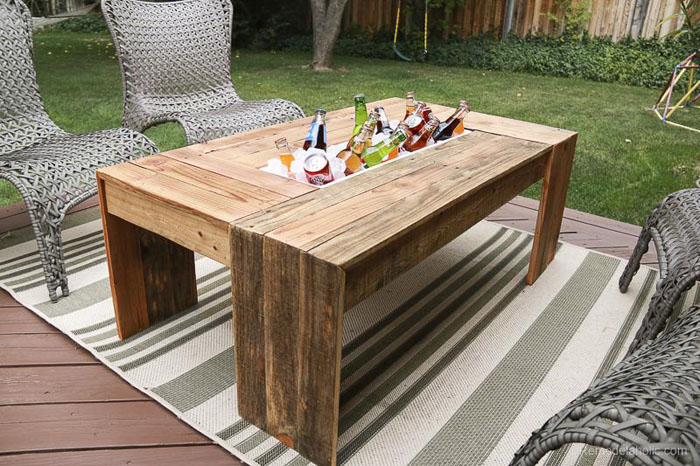 15 Awesome DIY Pallet Projects with Tutorials