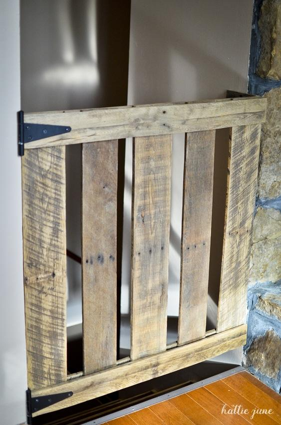 16 Awesome DIY Pallet Projects with Tutorials