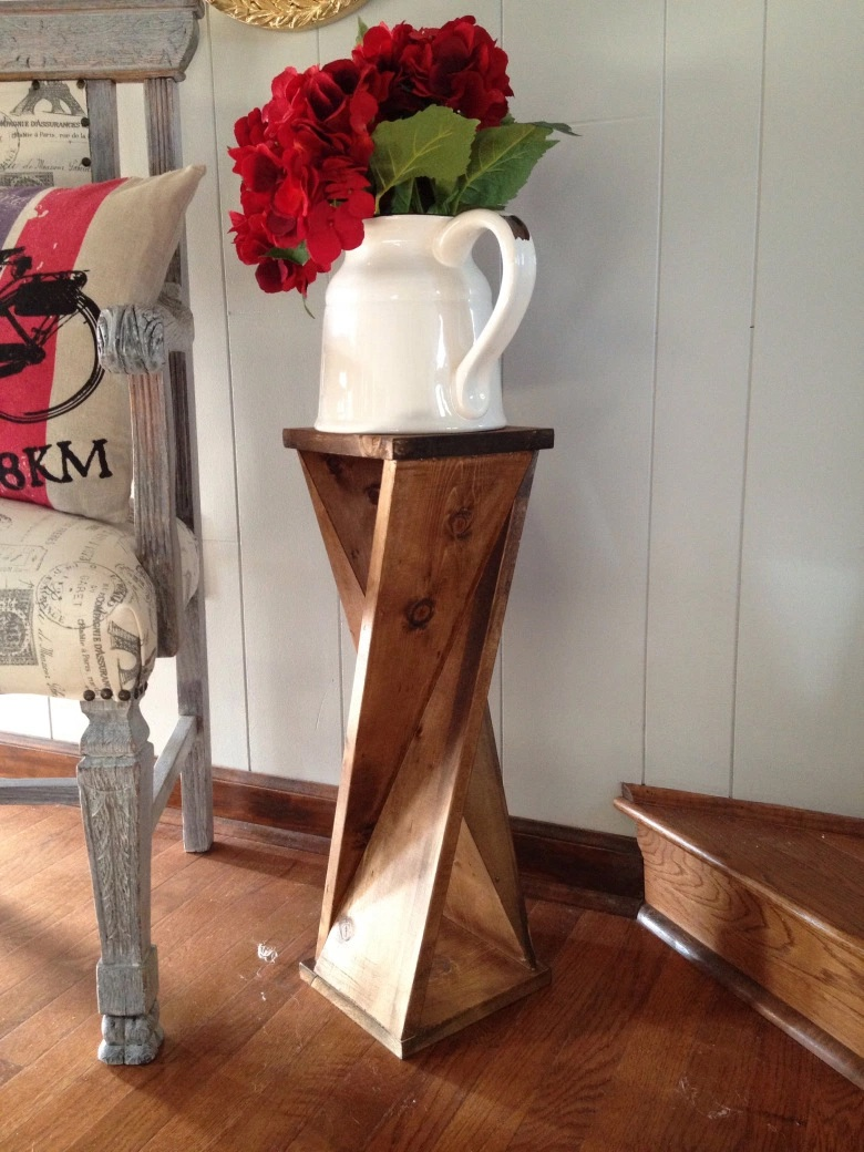 21 Of The Best Woodworking Projects Anyone Can Make