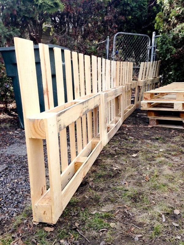 24 Awesome DIY Pallet Projects with Tutorials