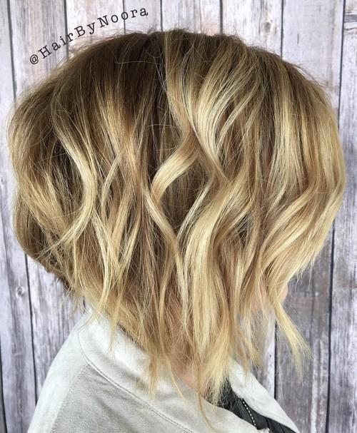37 wavy blonde balayage bob