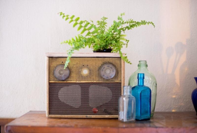 38 Vintage Radio Planter