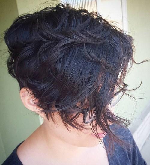 40 short asymmetrical haircut for wavy hair