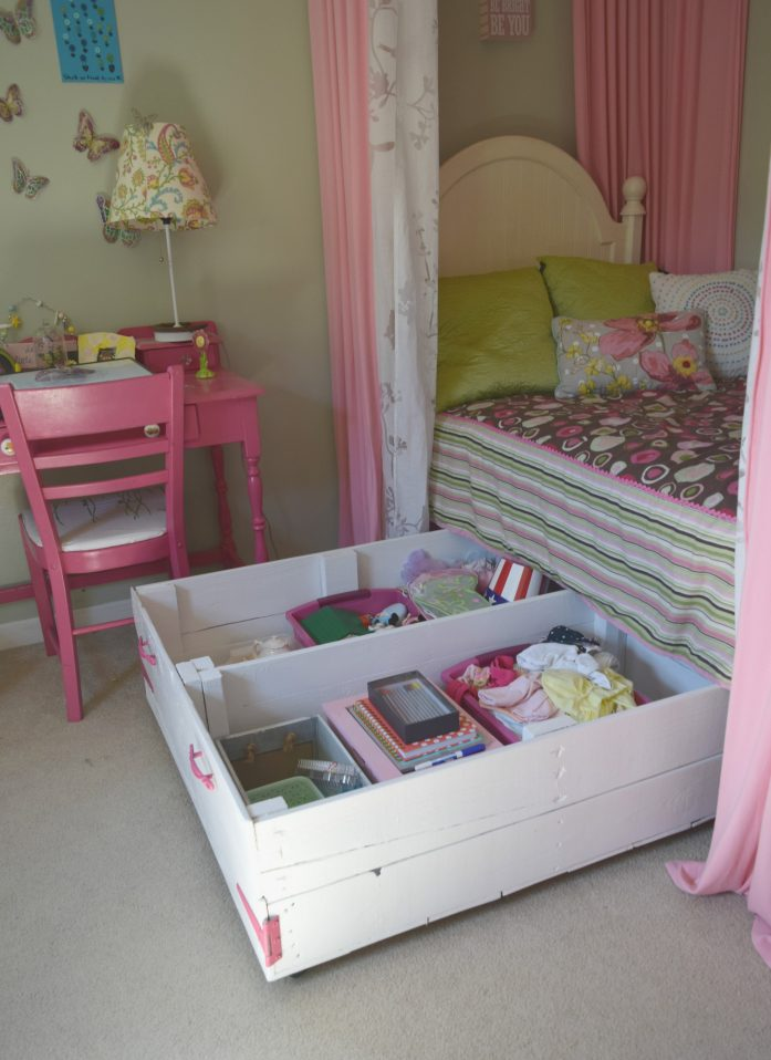 6 Awesome DIY Pallet Projects with Tutorials