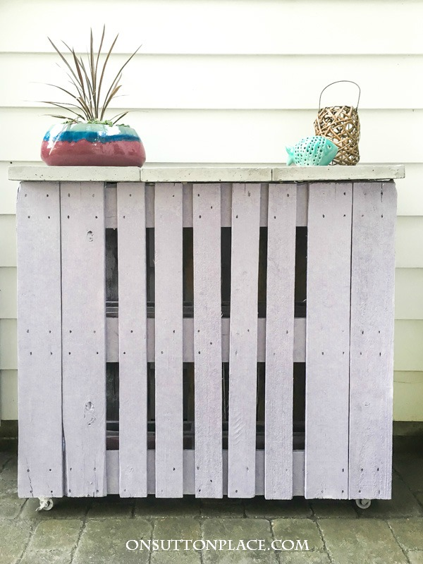 7 Awesome DIY Pallet Projects with Tutorials