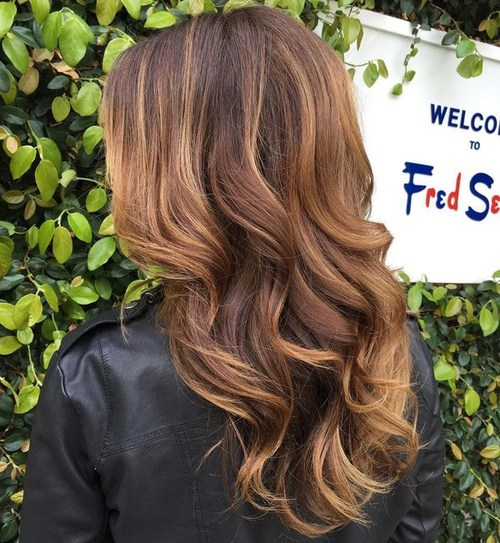 10 long brown hair with caramel balayage
