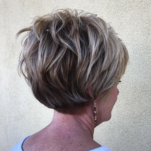 11 short layered hairstyle with highlights