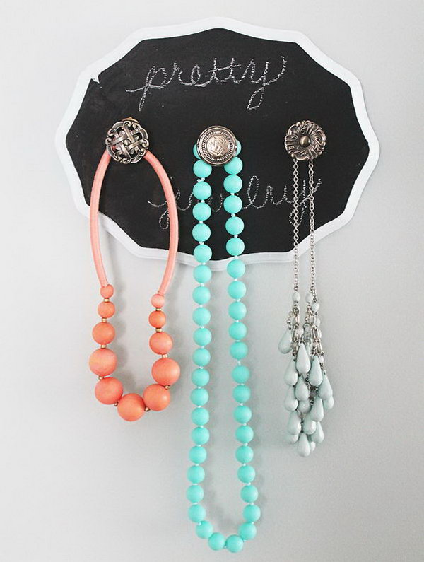 14 DIY Shabby Chic Jewelry Holder With Chalkboard Paint