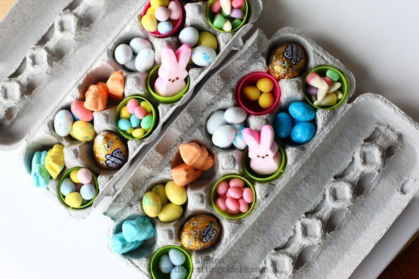 18 Use an empty egg carton as a container for treats