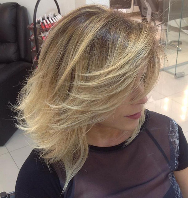 18 layered blonde balayage bob