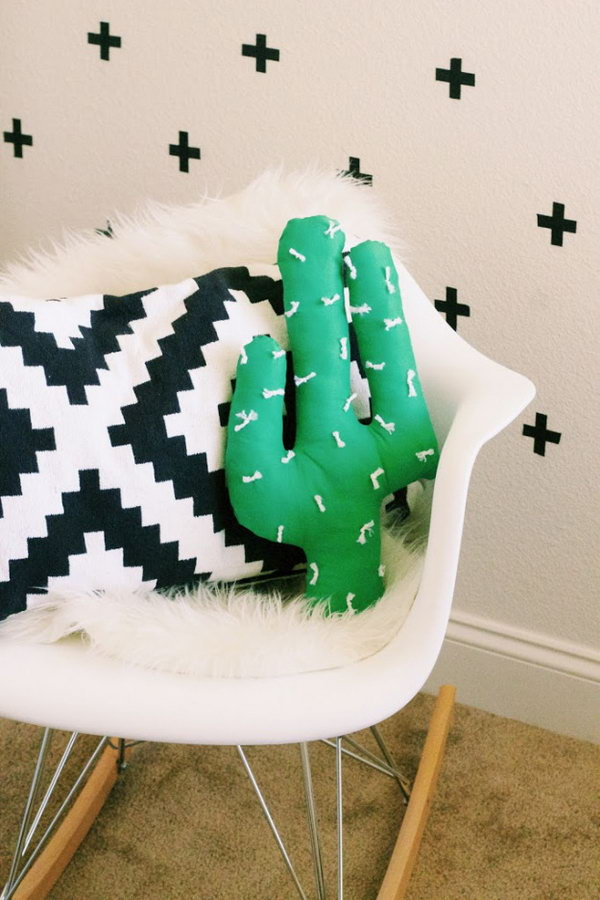 19 DIY CACTUS PILLOW
