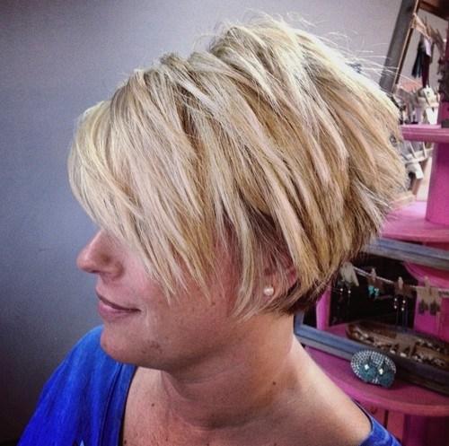 30 chopped blonde pixie bob